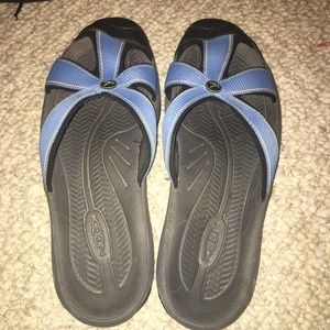 Keen Size 8.5 slip on Sandals